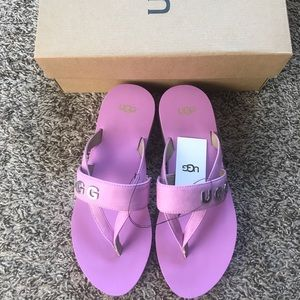 UGG pink flip flops wedges sandals size 9 New